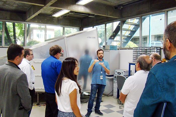 Daniel dos Anjos apresenta o Laboratório de Compatibilidade Eletromagnética