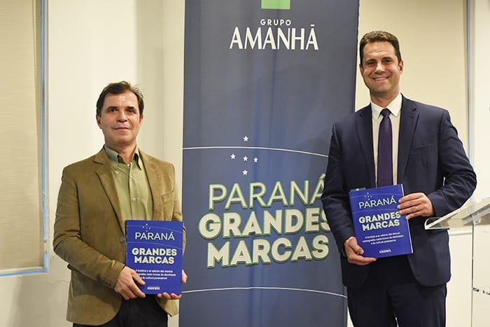 Hélio Padilha, diretor de Desenvolvimento Tecnológico, e Luiz Fernando Vianna, presidente do Lactec, prestigiaram o lançamento do livro
